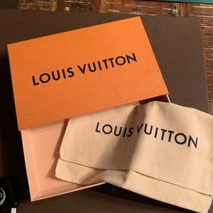 Louis Vuitton slide box with dust bag
